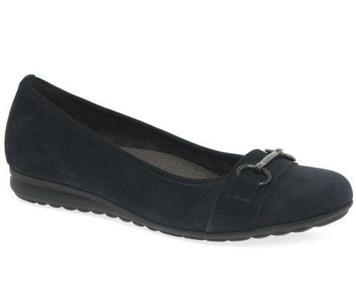 navy shoes with navy dress