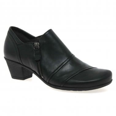Roost Ladies High Cut Shoes