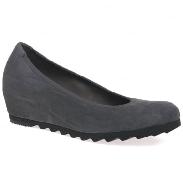 Request Ladiess Modern Wedge Court Shoes
