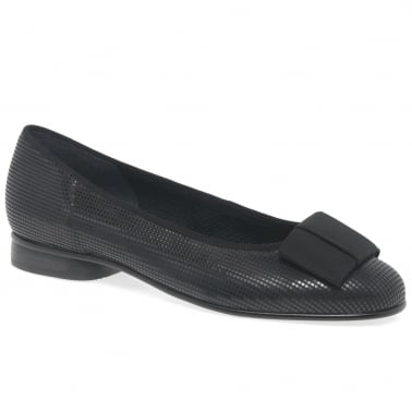 Assist Womens Bow Trim Ballerina Flats