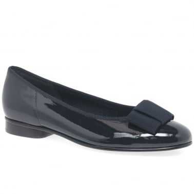 796f2510a085 Assist Womens Bow Trim Ballerina Flats