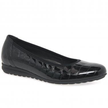 ladies wide shoes online